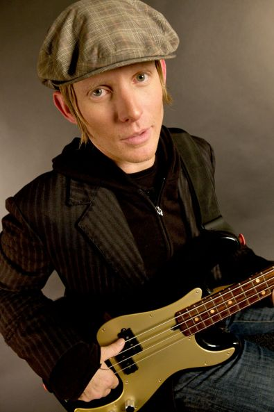 Bass profil - Chris Chaney