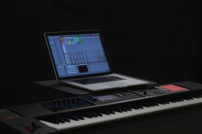 Roland: FA-07 Music Workstation