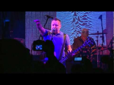 VIDEO: Peter Hook's The Light - Brazil Tour 2011