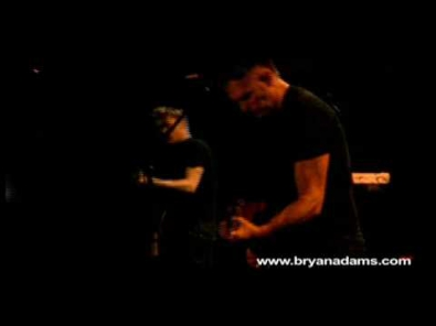 VIDEO: Bryan Adams - Summer of '69
