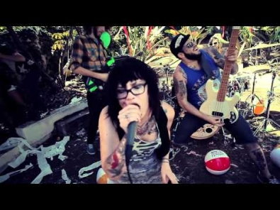 VIDEO: iwrestledabearonce - You know that ain't them dogs' real voices