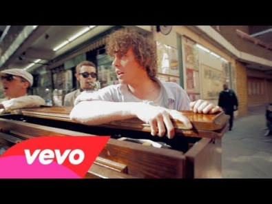 VIDEO: Johnny Borrell - Pan-European Supermodel Song (Oh! Gina)