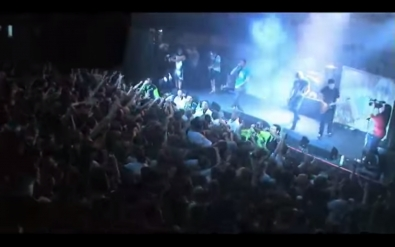 VIDEO: Parkway Drive - Carrion (Live)