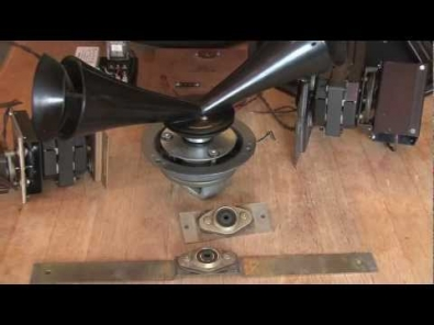 VIDEO: HOW TO BUILD A CUSTOM LESLIE SPEAKER FOR A HAMMOND ORGAN - PART 1