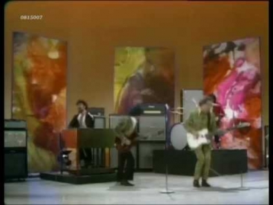 VIDEO: Vanilla Fudge - You Keep Me Hangin' On (Supremes)